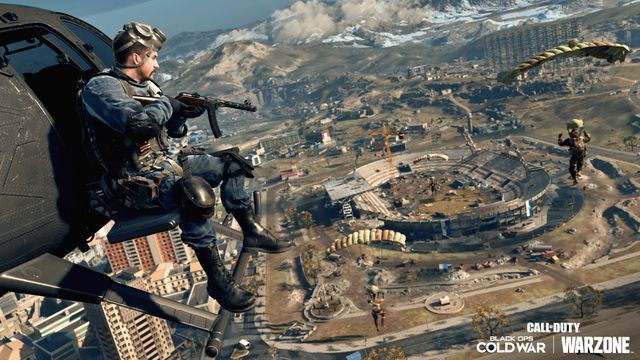 Call of Duty: Warzone player flies over Verdansk '84 map