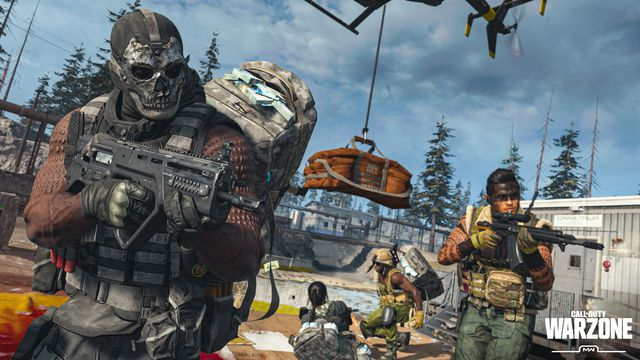 Several players deposit their money in Call of Duty: Warzone's Plunder mode