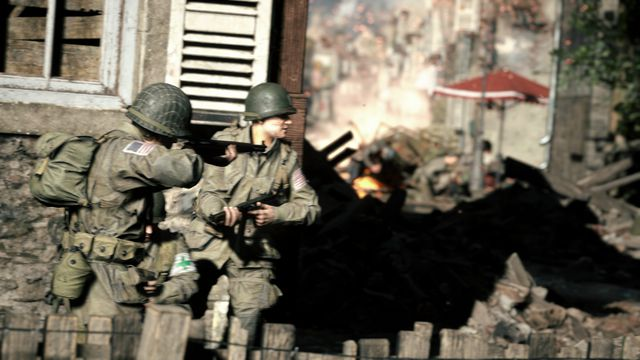 Hell Let Loose - a Squad of American WW2 soldiers navigate an urban environment